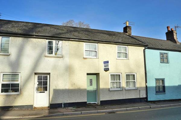 Tiverton Road, Cullompton. Devon. EX15 1HT.